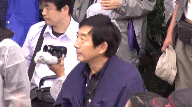 石田純一さんがまた今日も国会前に!本気!!http://t.co/BB2vph8Mwd http://t.co/NrmHk2Elc1