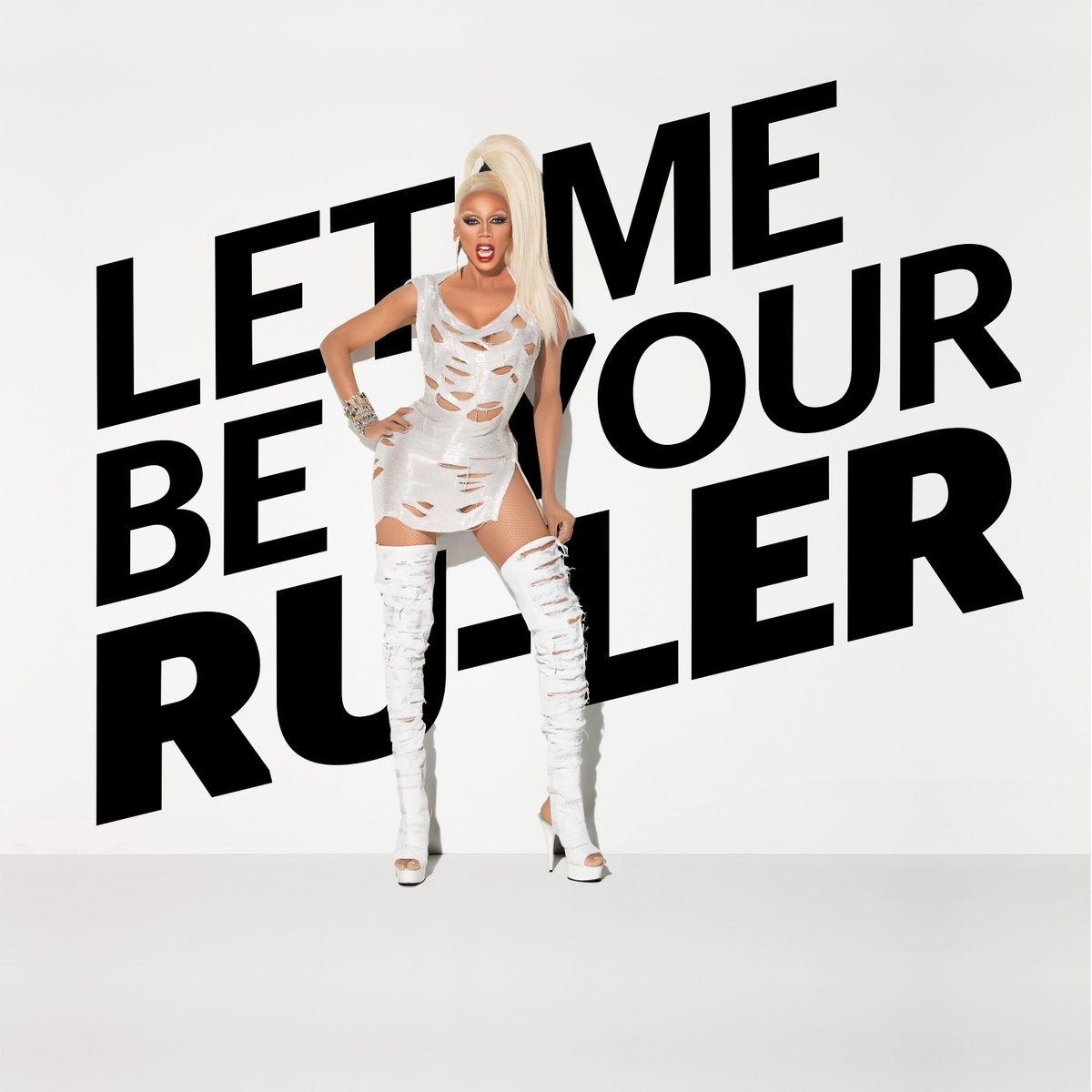 Welcome to New Zealand @RuPaul !! #TV2RuPaulsDragRace starts 2nd Oct TV2 #letmebeyourruler http://t.co/piJ6GcpzTa