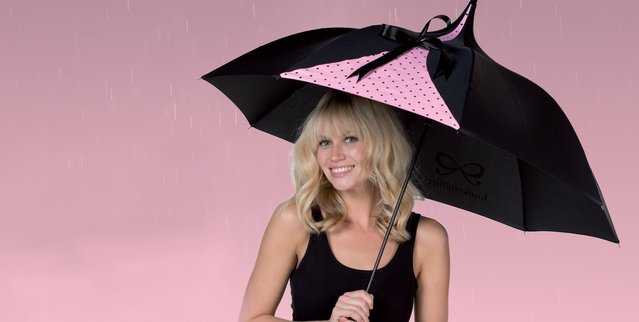 Under your umbrella! Spend more than €75 in store now & receive the Hunkemöller umbrella for free! While stock lasts! http://t.co/ZD0xvPaLU0
