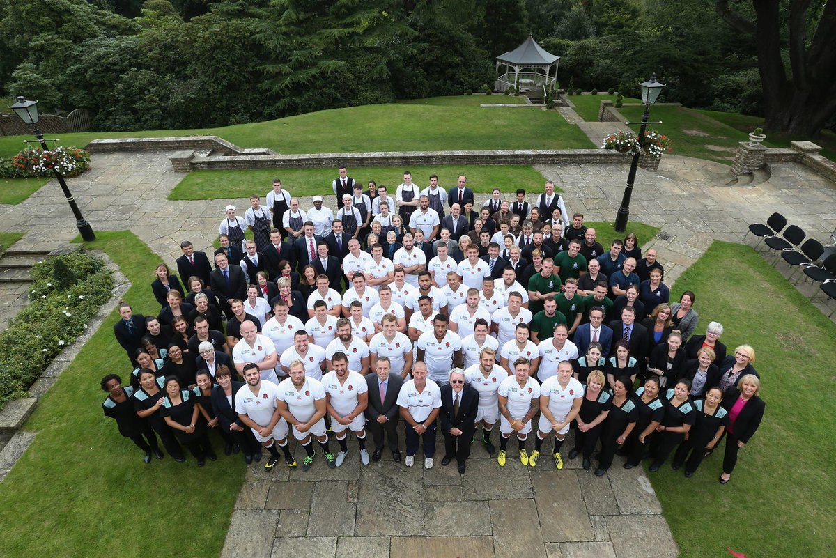 From all of us here, we would love to wish @EnglandRugby good luck in their first match later today! #RWC2015 http://t.co/hbNwcBOMr3