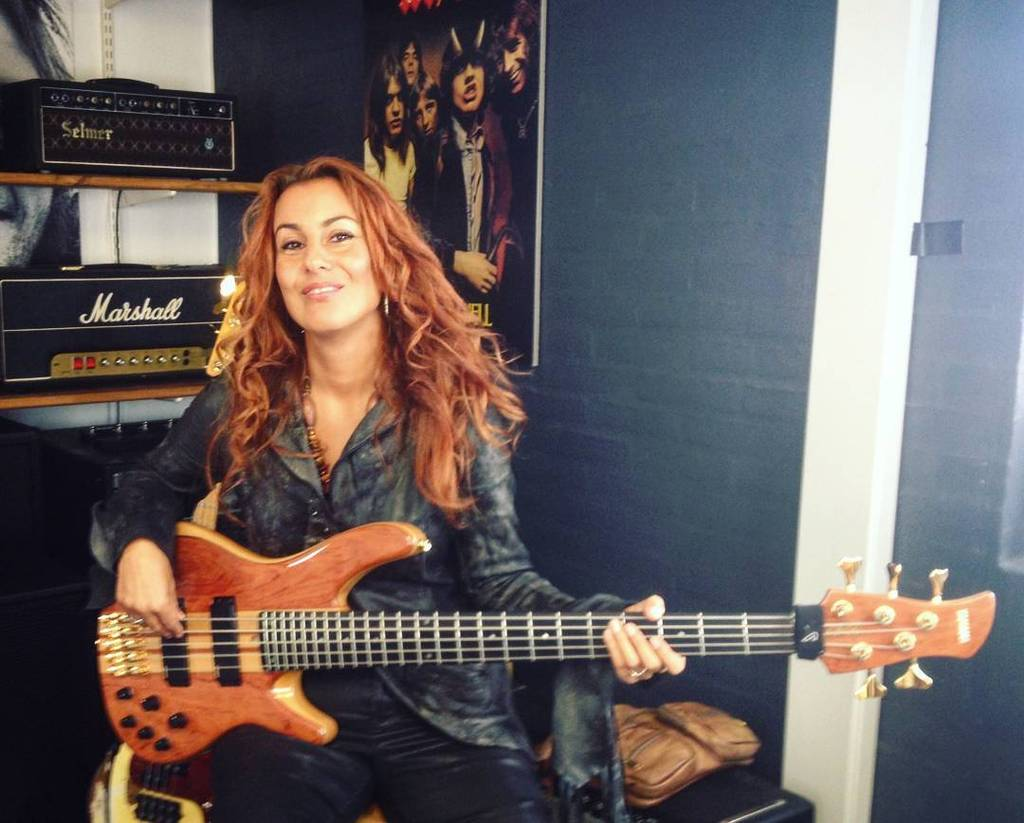 None other than @idanielsenbass of Prince & 3rdEyeGirl just stopped by TC HQ. It's gonna b… http://t.co/lDkfOGmwc7 http://t.co/RXi683lBNX