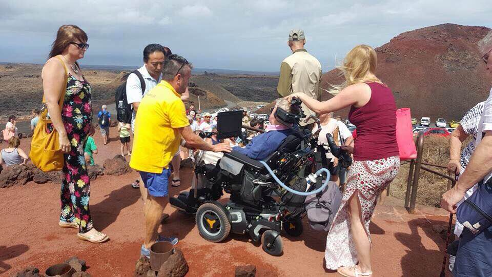Stephen Hawking is visiting Timanfaya today. We are grateful, welcome to #Lanzarote #CanaryIslands http://t.co/YZ2aDXraZq