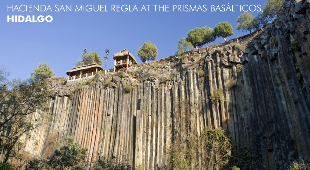 Right on top of the adventure in Hacienda San Miguel Regla at the Prismas Basálticos. #LiveItToBelieveIt http://t.co/cC1rebD5Zk