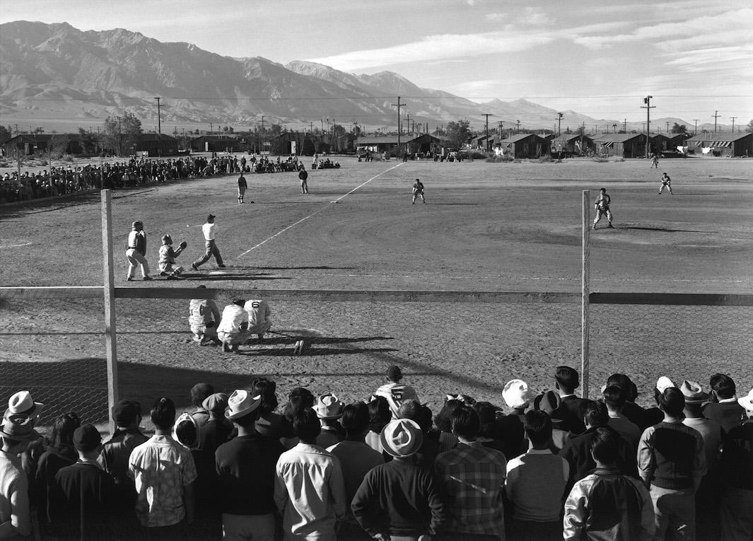 Rare Ansel Adams photos of everyday life at the the Manzanar internment camp: http://t.co/p6g66ogBXP @beholdphotos http://t.co/Spg3HfbPei