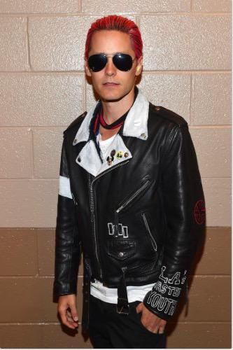 RT @iHeartRadio: Look who we found backstage!  What do you think of his new hair?  @JaredLeto #iHeartRadio http://t.co/JEHEuWdsqr