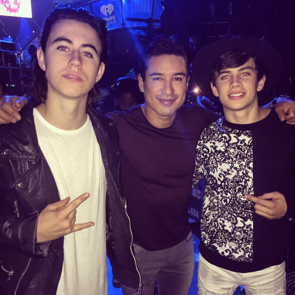 Introducing the next act with @nashgrier & @hayesgrier here at #IHeartRadio http://t.co/8FRg47Eo3e