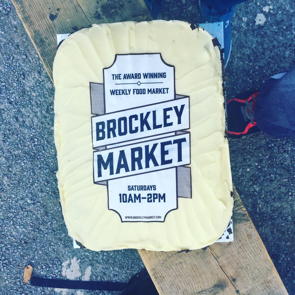 Happybirthday @brockleymarket. 4 fantastic years.  Come down today for some award winning produce, street food & cake http://t.co/z34AGnX29i