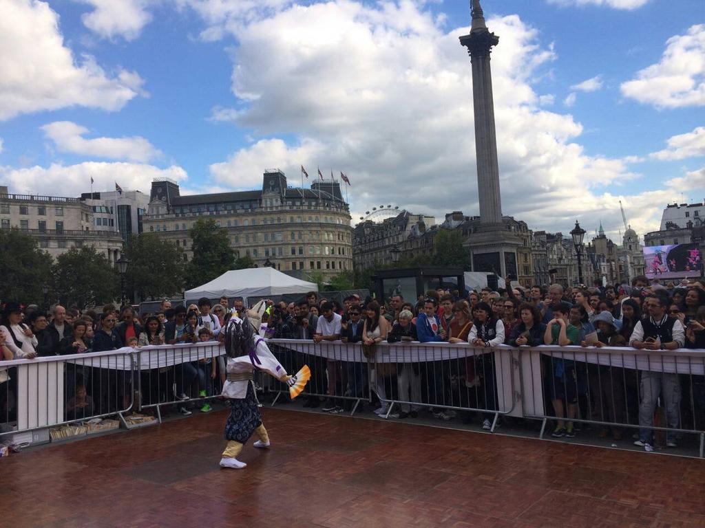 @satsumakenshi ロンドンの皆様にここまで注目していただけるとは……ほんのこちあいがとさげもす!! #薩摩剣士隼人 http://t.co/nZOg3zBXln