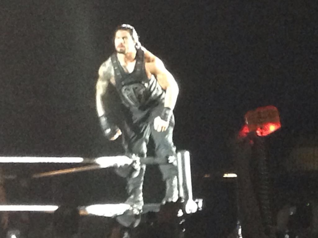 And for the main event @WWERomanReigns #WWEWaco http://t.co/E0GmDdRFOR