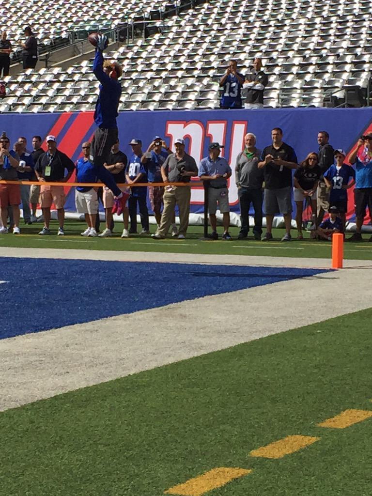 Odell Beckham Jr's warmup. http://t.co/eMQnJIuppN