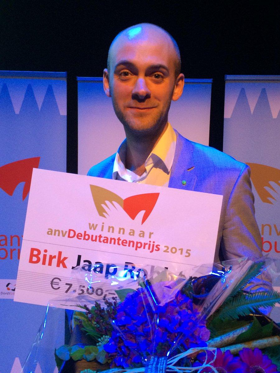 .@JaapRobben wint ANV Debutantenprijs 2015 met #Birk http://t.co/rDTJW1g7Oj Bedankt, alle lezers die Birk zo omarmen http://t.co/LAbu0uzeeu