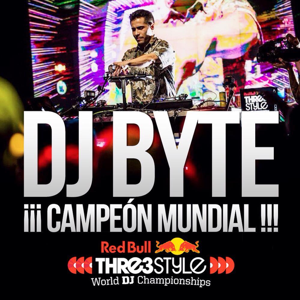 Desde hoy el mejor Dj del mundo se llama @ByteMusic...  DJ BYTE CAMPEÓN MUNDIAL DEL @RedBull3Style 2015!!! http://t.co/1pF9ooZU9w