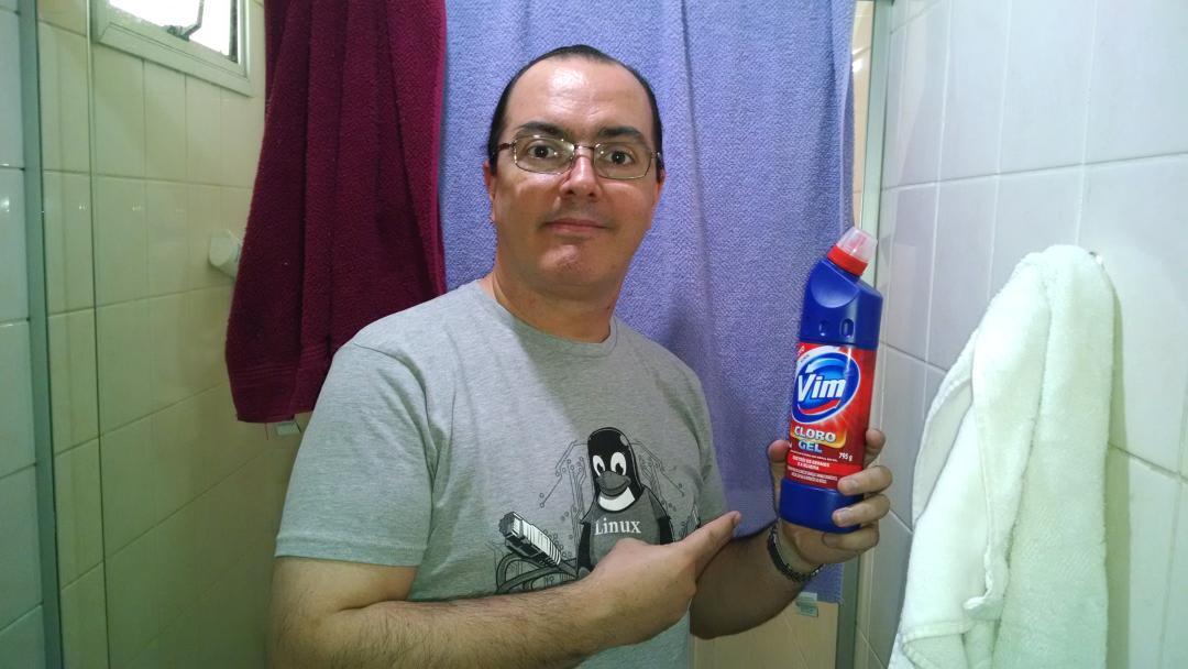 Para quem duvidou lá na #rubyconfbr quando eu disse que uso #vim até para limpar o banheiro. :-D http://t.co/rphnojBNGe