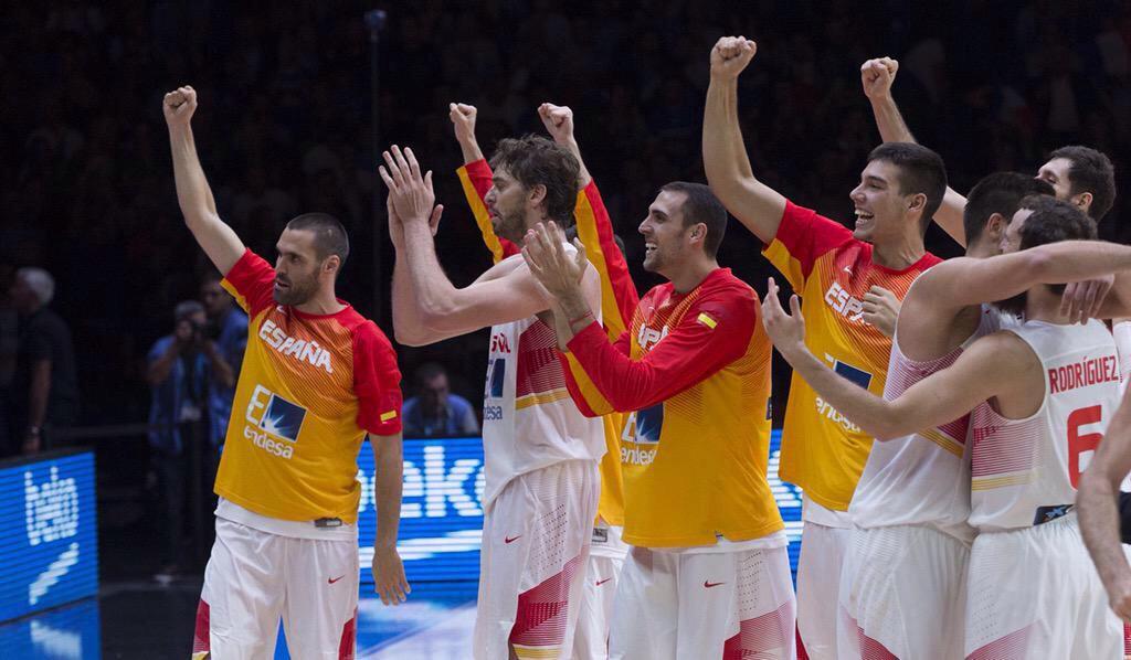España gana la final #EuroBasket2015  #Enhorabuena y gracias Campeones! @baloncestofeb @FIBA #SomosEquipo #ESPBasket http://t.co/sbUXF0fjCk