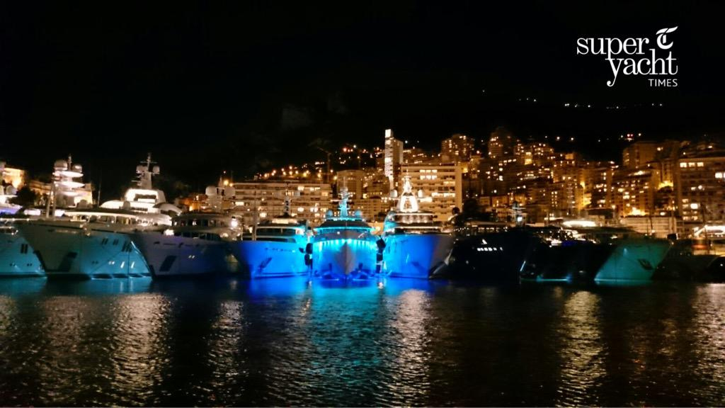 Exclusive photos by SYT of the first #superyachts that have arrived for the #MonacoYachtShow. @mys_monaco #MYS2015 http://t.co/Efbg9iNrhU