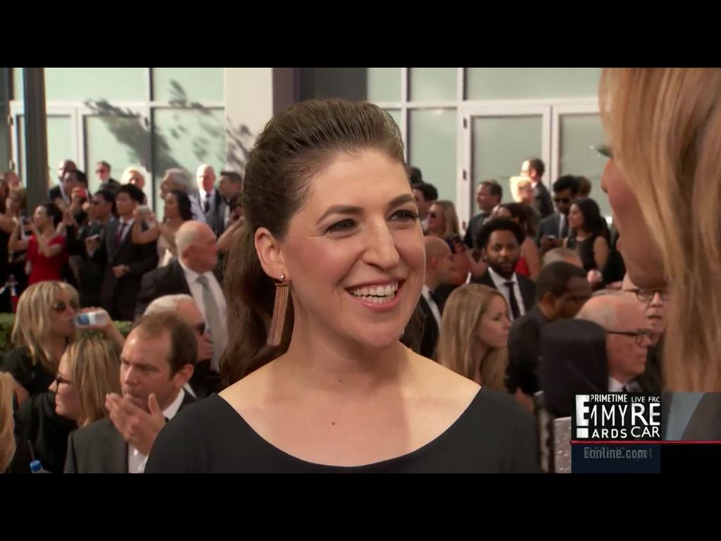The talented @missmayim fielding questions on the #ERedCarpet at the #Emmys #Emmys2015 :) http://t.co/V4QJWsAkky