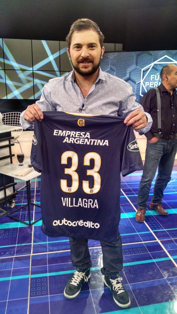Diego Brancatelli (@diegobranca): Sos Canalla? Querés ganarte la camiseta de Villagra? Seguí a @FutbolPermitido RT y ganá! #RosarioCentral http://t.co/GPG9Thgd9J