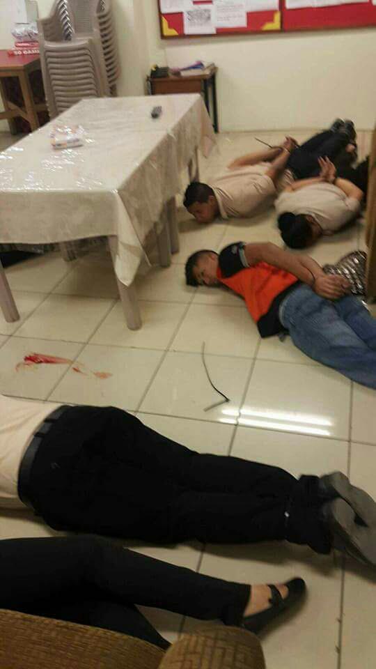 Asalto en Doit Center y balacera por Radio #Chiriquí. David está en manos de los maleantes. @JC_Varela Vía @507tony04 http://t.co/1c1zsLFjmQ