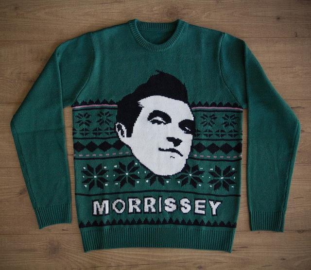 モリッシーのセーターの充実ぶり http://t.co/jQBl5yM6dn