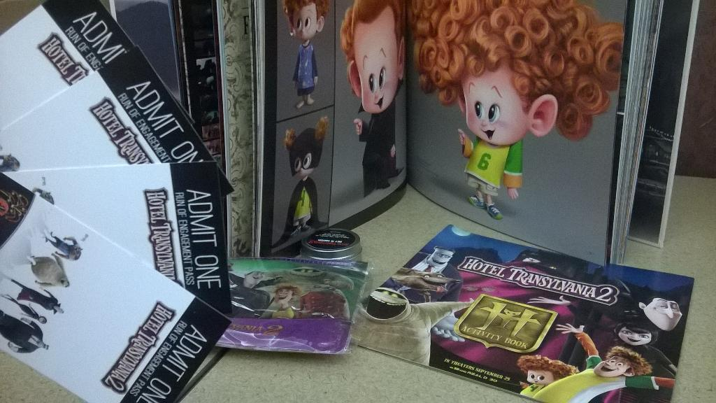 Drac's pack is back!! RT to win hotel Transylvania 2 tickets and other fun stuff #GiveAway #happymonday http://t.co/wp5zHYC0LM