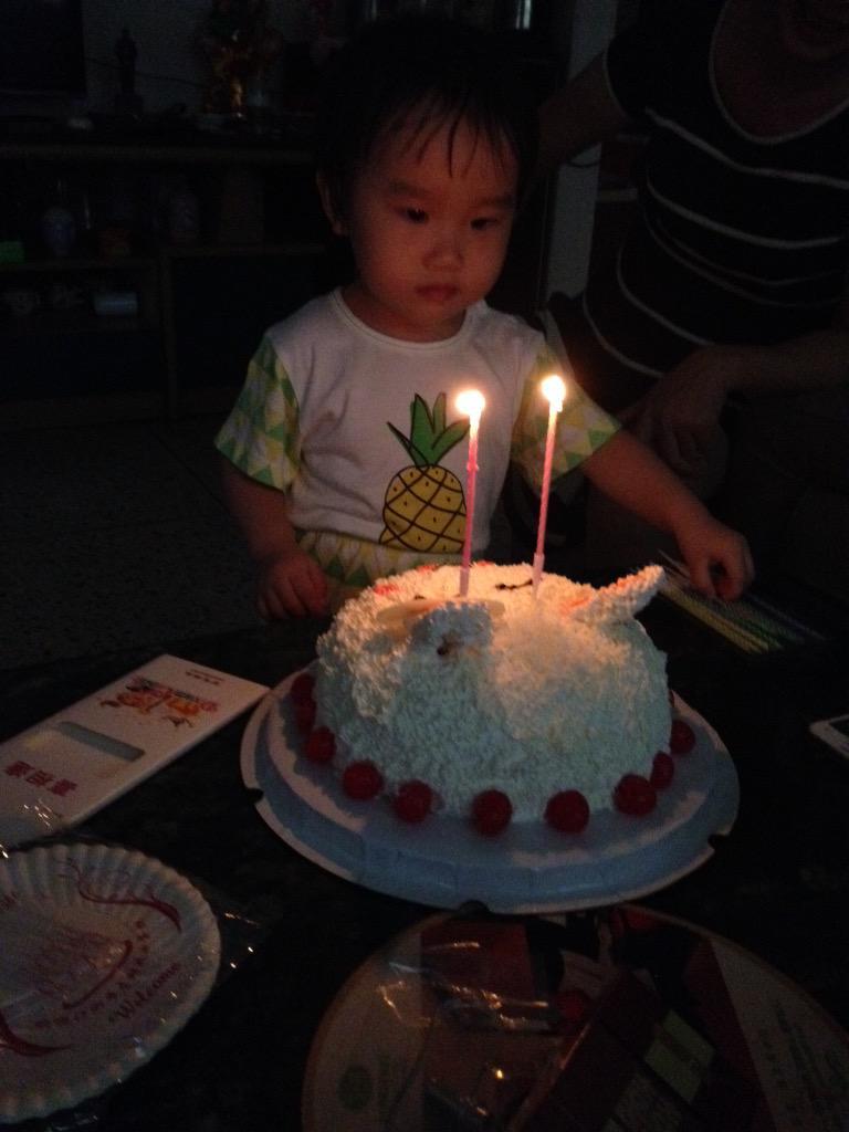 蝈蝈今天两岁生日了 http://t.co/2svlqC5Y1k