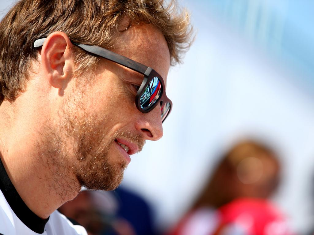 Jenson Button reportedly set to announce his retirement at Suzuka... http://t.co/llPbUaDDLQ #F1 http://t.co/ZoUxNOO7Xx