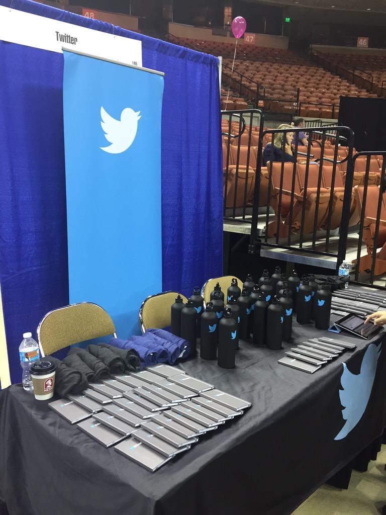 Bring your resume to our booth @UTAustin career fair! Retweet this post to win a T-Shirt! @UTCompSci @UTCNSCareers http://t.co/1gdcTef5CZ