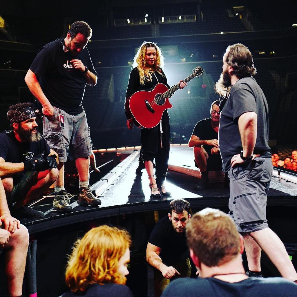 With my Woes on the B-lift! Captured by JR! ❤️ #rebelheartour http://t.co/v0nUReKGnG