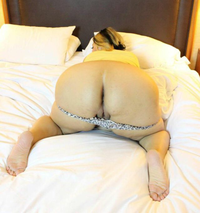 Thick ass shot by @SinFulCeleste - http://t.co/hKPoRyREzr @manyvids #camgirl http://t.co/AZq2doFYhX