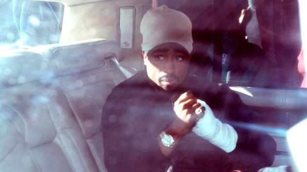 A dying cop wants everyone to know he helped 2Pac fake his death for a price http://t.co/AU8bnqkYk3 http://t.co/jPpVDe7mr3