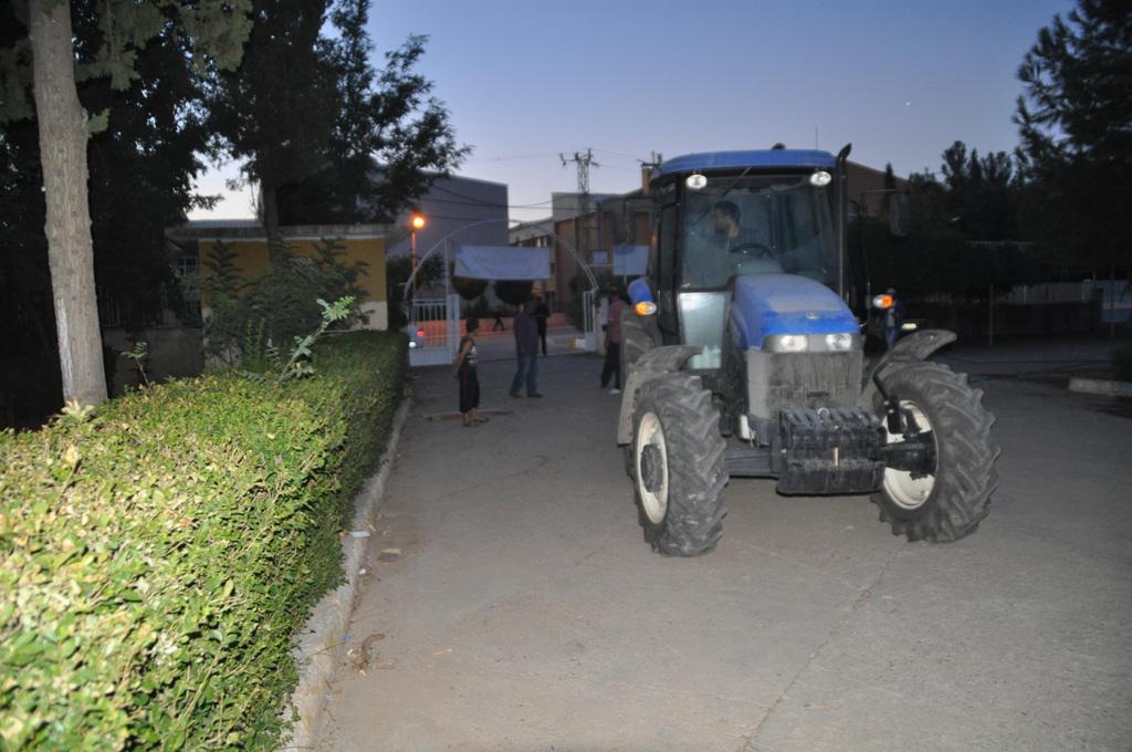 Okullarımızdaki budama, bakım ve tarımsal ilaçlama çalışmalarımızdan kareler.. http://t.co/l2glglACar