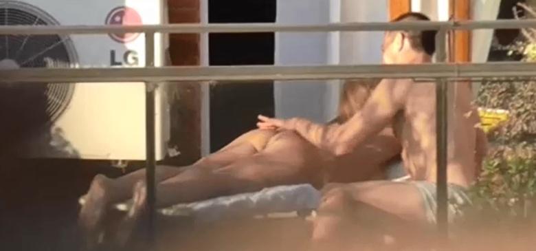Follando en el balcon del hotel 02 - 2 part 4