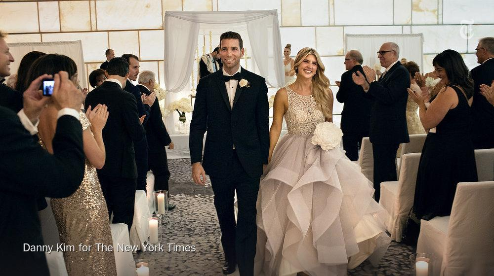 Magician @joshuajaymagic marries his assistant http://t.co/kLDEGZDAxc http://t.co/GUOOXk6Gvz