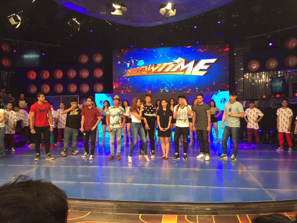 For those who are interested to watch #ShowtimeAnimversary on Sat.,Pls. wait for announcement! #ShowtimeKapamilyaDay http://t.co/sI1xHkG3Nx