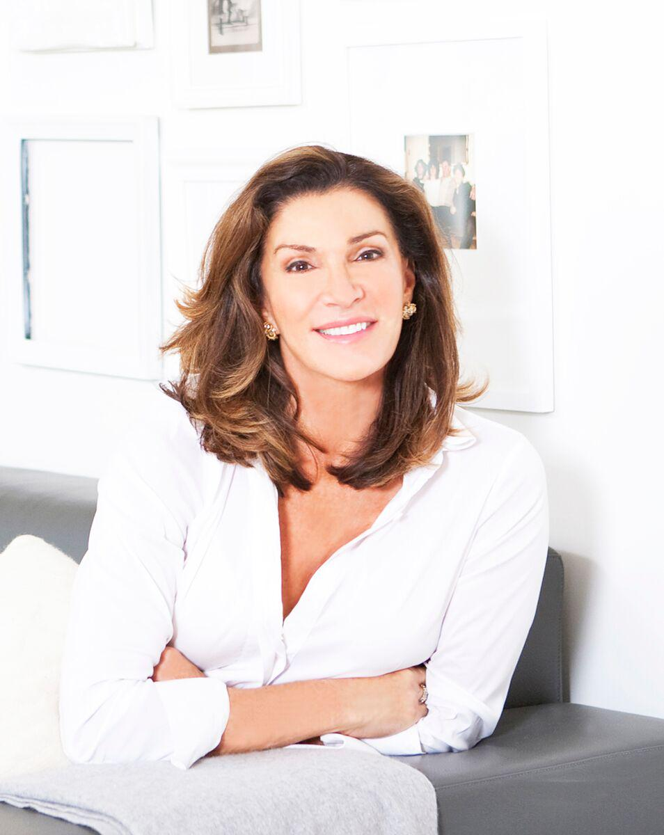 Hey NC! @hilary_farr is coming to the So. Ideal Home Show. Q&A/talk on Sat. 9/26 12 & 3:30pm http://t.co/HIRNiudx6e http://t.co/3VVfHTsHC0