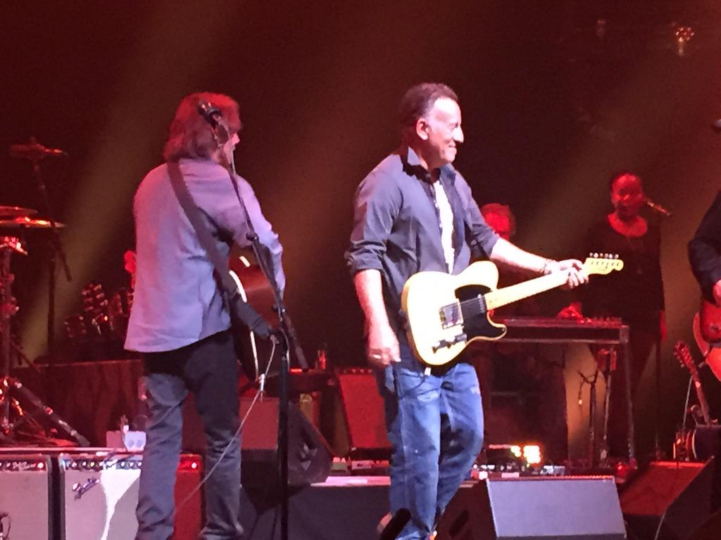 """Bruce Springsteen joins Jackson Browne for """"Take It Easy"""" right now in Red Bank, NJ http://t.co/RZc9PjdYHS"""