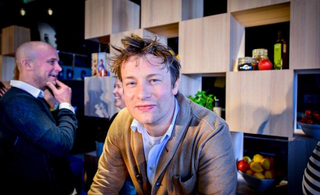 Jamie Oliver backs £175,000 contest to find #digital #health solutions: http://t.co/KB2cIHk07W @ICtomorrow http://t.co/A8ApxBfVCF