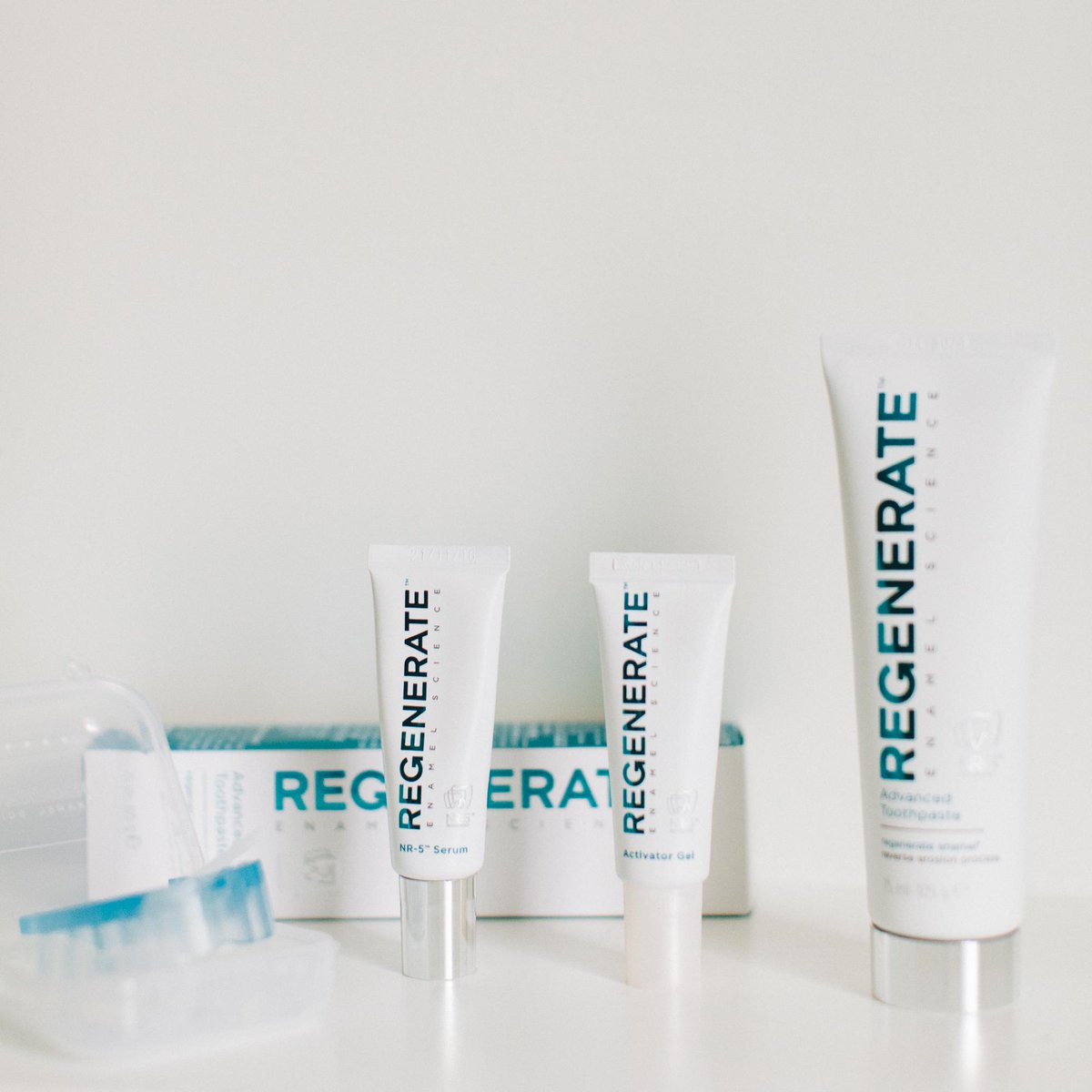 REGENERATE your smile for your big day with a chance to win this tooth care kit. RT & follow @Regenerate_UK to enter. http://t.co/HkAUsw79n6