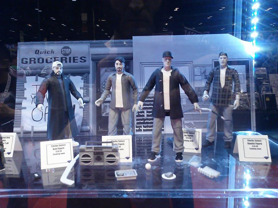 The #Clerks Select Action Figures ARE supposed to be in stores next week! @ThatKevinSmith http://t.co/sAm3OjfVtz http://t.co/kSptiQwFDs