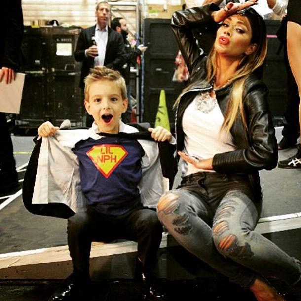 Last night me and my lit superhero #lilNPH having fun #backstage #BestTimeEver with @bestt… http://t.co/OEmyCgSAT3 http://t.co/9dyx75qtrB