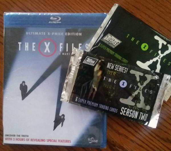 Retweet for a chance to win an X-Files Blu-Ray & 2 packs of, almost vintage, X-Files trading cards #xfiles #contest http://t.co/jhJHE3BFSV