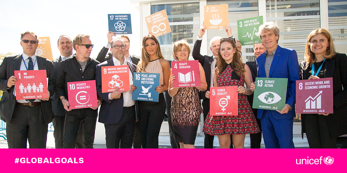 RT @UNICEF: .@NicoleScherzy, @TanyaBurr, @jimmy_wales, @yokabrandt and more proudly show their support for #GlobalGoals at #UNGA http://t.c…