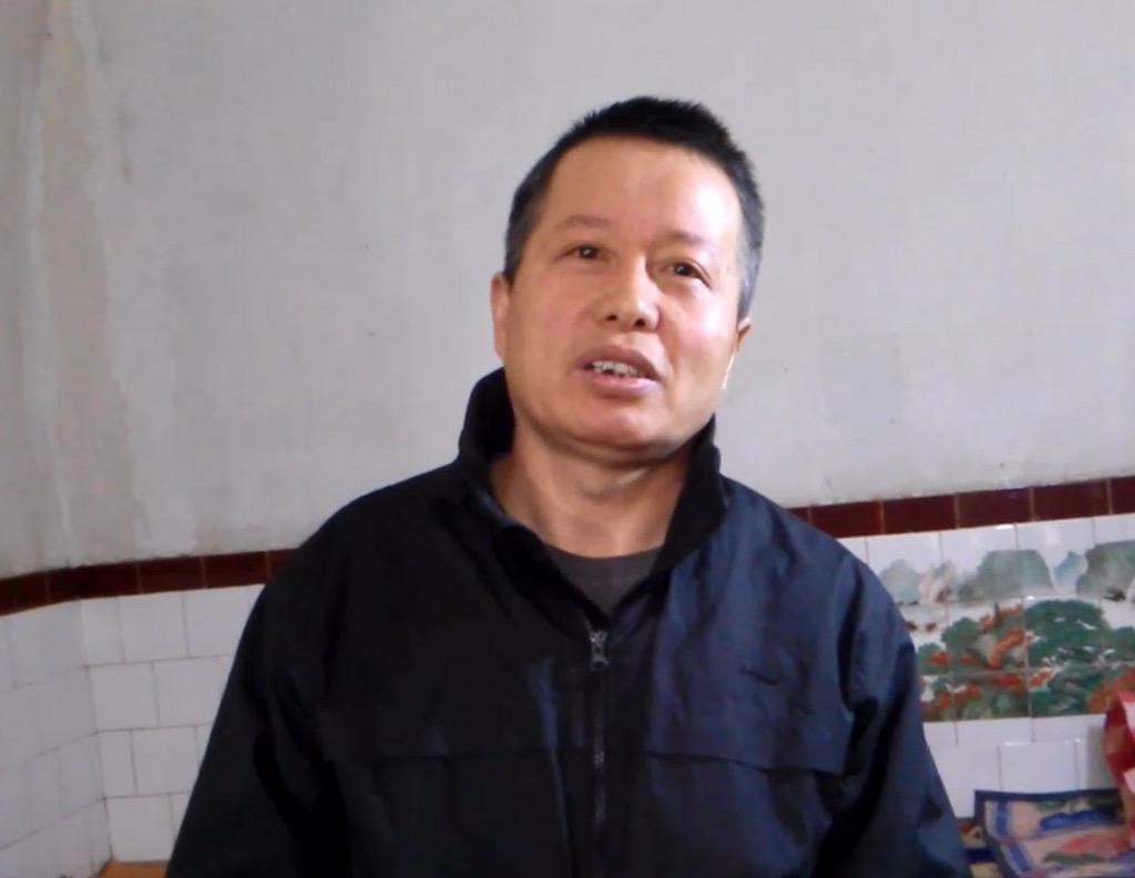 可靠消息,就在美联社公布高律师采访后10几个小时北京时间24日下午1点多党国国宝多人开始搜查高律师居住地陕北老家。如先前所料,高律师又一次被失踪。他跟我讲,他做好了各项准备了。为我们的好弟兄祷告。上帝给他力量使他继续刚强壮胆。 http://t.co/9wwEdFrNnk