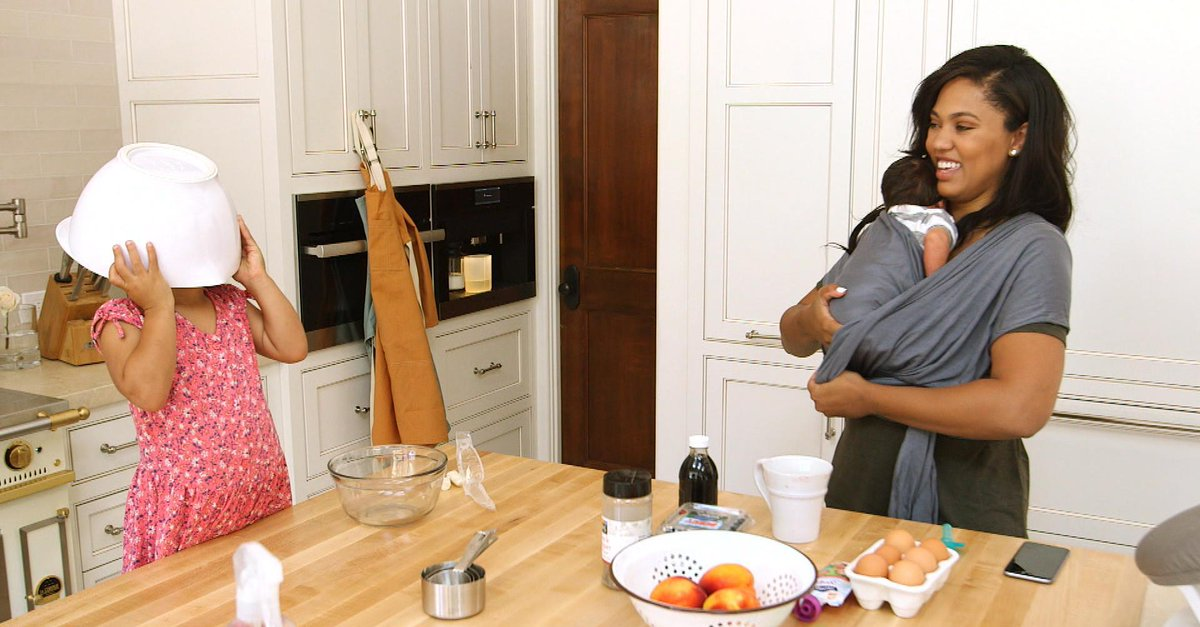 Inside @StephenCurry30's wife @AyeshaCurry's down-to-earth mom style. http://t.co/j4o3melFyJ http://t.co/JHUiZDTAQR