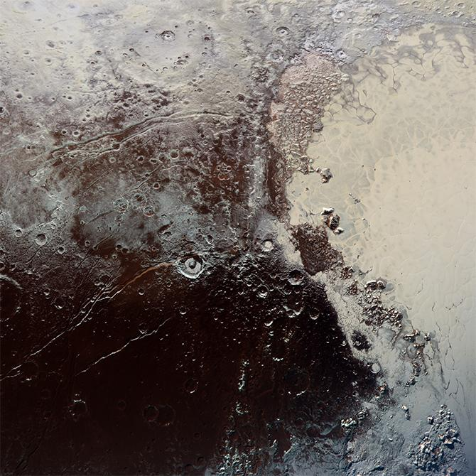 Pluto just keeps getting more beautiful. The detail in this @NewHorizons2015 image floors me: http://t.co/2qKwL5o6NO http://t.co/TXVRsBsxQL