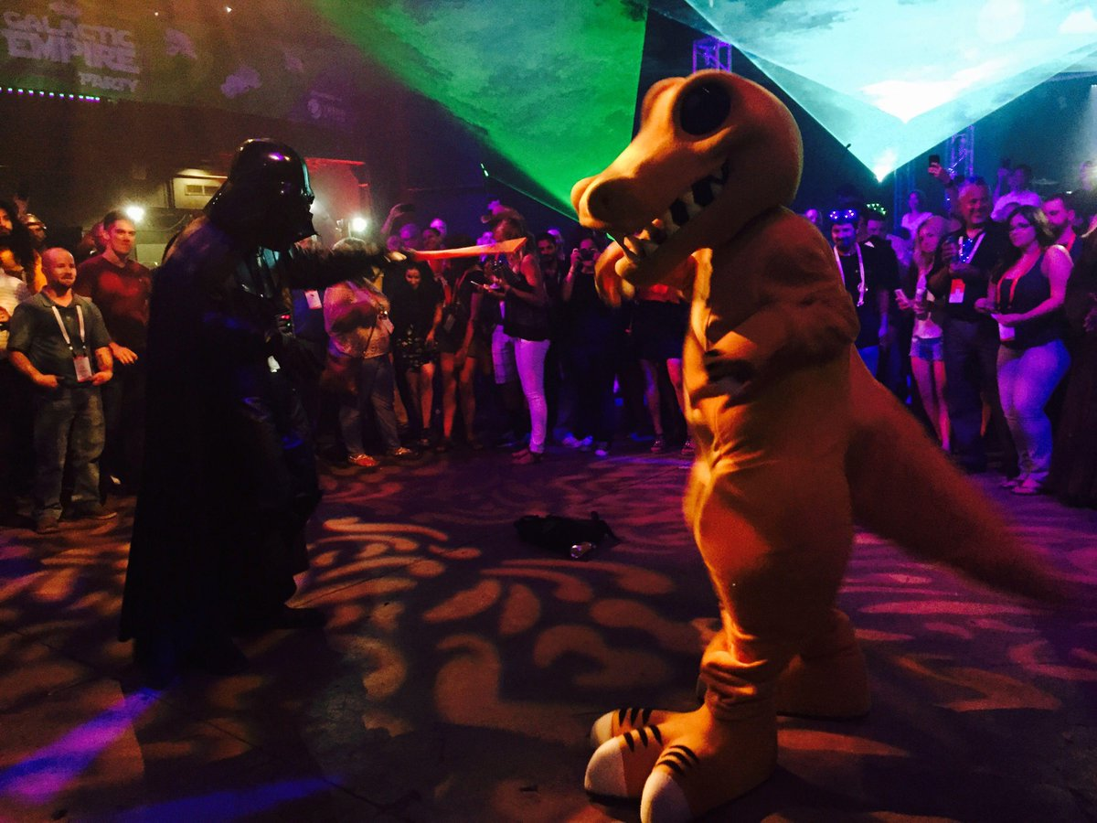 SpiceRex - Darth Vader dance off at #SpiceWorldAustin #thathappened http://t.co/6HIHPFfDkr