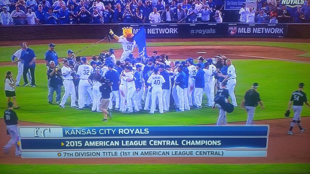 Congratulations, Kansas City!! #ForeverRoyal http://t.co/NfCeBEBHvk