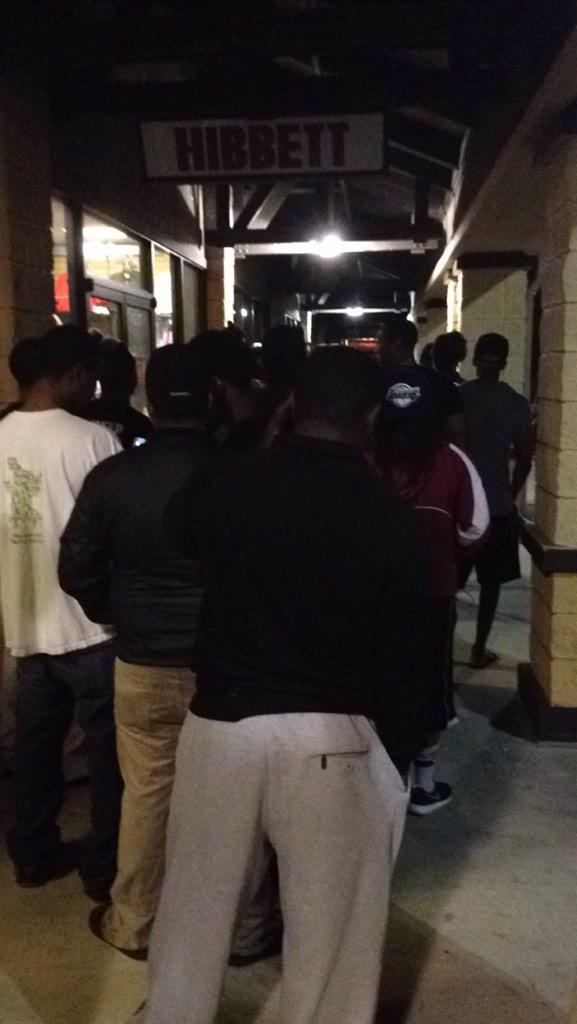 @Ronnie2K @NBA2K the #2k16 line at @GameStop http://t.co/c8eLfRaMm6