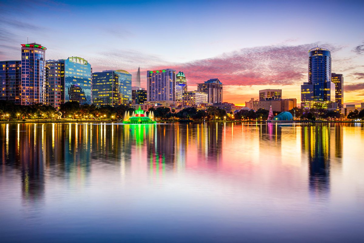 Don't miss out on the chance to win a week long holiday for 2 in #Orlando! Simply RT to win http://t.co/z1me1WAKoo http://t.co/b0ScYwRDOY