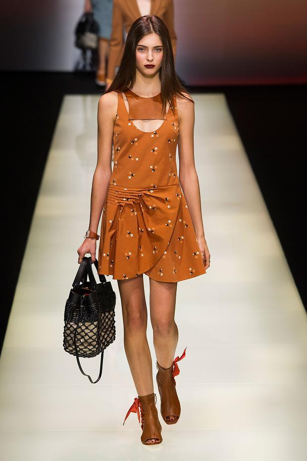 @armani S/S '16 #fashion #MFW http://t.co/YVYmIKIU33 http://t.co/iRpzx06Hf7